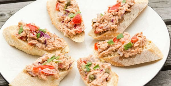 Bruschetta met tonijnsalade